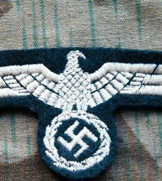 Uniformadler und Effekten der Wehrmacht